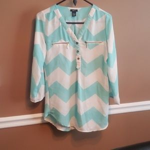 New without tag Quarter  sleeve dress shirt